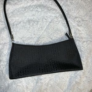 Handbags - Black Vintage Handbag